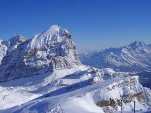 Esquí Alpino Dolomitas - Manaslu Adventures