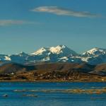 Lago Titicaca y la Cordillera Real de Bolivia