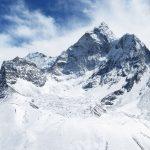 Región Everest. Amphu Gyabjen 5630m y Ama Dablam 6814m desde Nangkar Tshang 5616m (día de aclimatación en Dingboche)