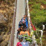 Región Everest. Puente colgante en Jorsale 2740