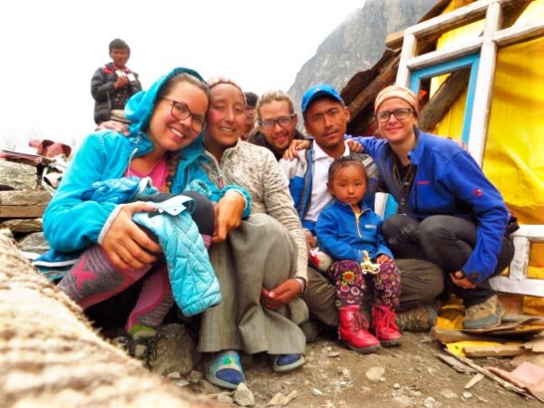 Dawa Berta familia y amigos en Nepal