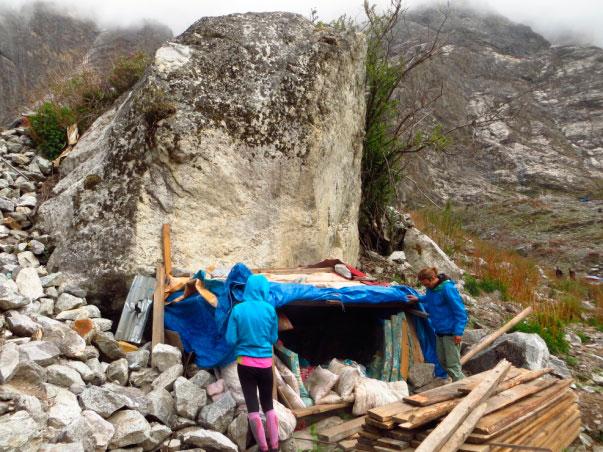 Punto donde Targen y su hija se protegieron durante el terremoto.